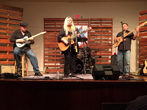 photo of Patty Reese Band performing